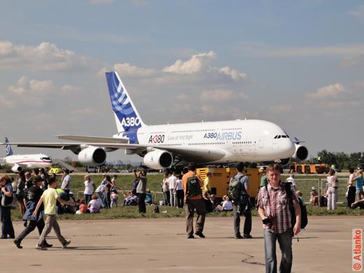 Самолёт Airbus A380 на 10-м Международном авиационно-космическом салоне МАКС-2011