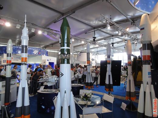 Макеты ракет на Международном авиационно-космическом салоне МАКС-2011