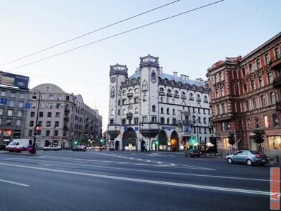 Дом с башнями на площади Льва Толстого. Санкт-Петербург. Фотография