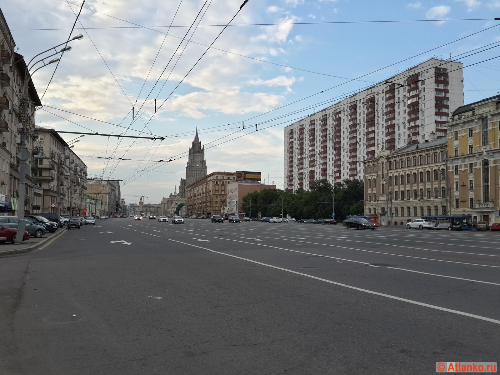 Смоленский бульвар в столице России. Москва. Фотография