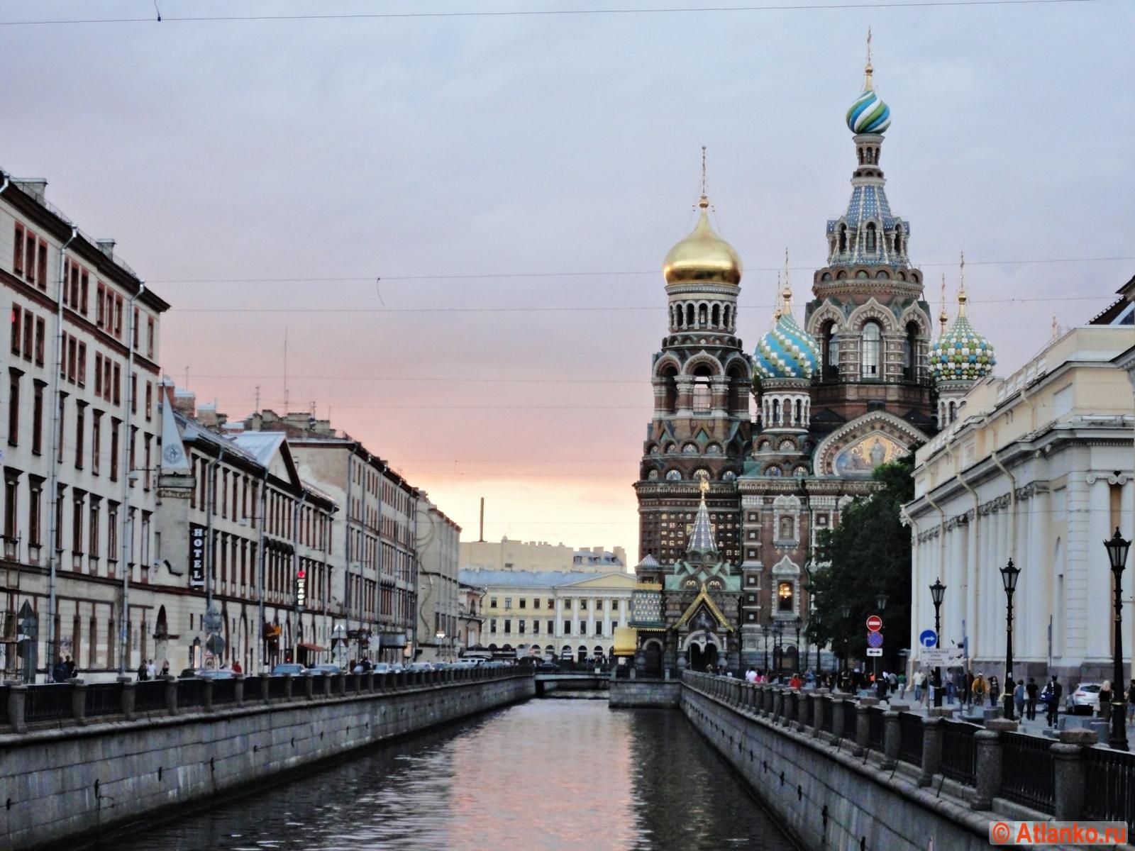 Храм Спаса-на-Крови (собор Воскресения Христова на Крови), набережная канала Грибоедова. Санкт-Петербург. Фотография