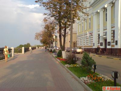 Верхне-Волжская набережная - улица в исторической части города. Нижний Новгород. Фотография